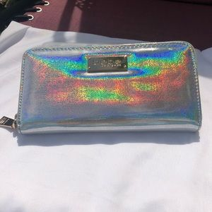BeBe holographic wallet